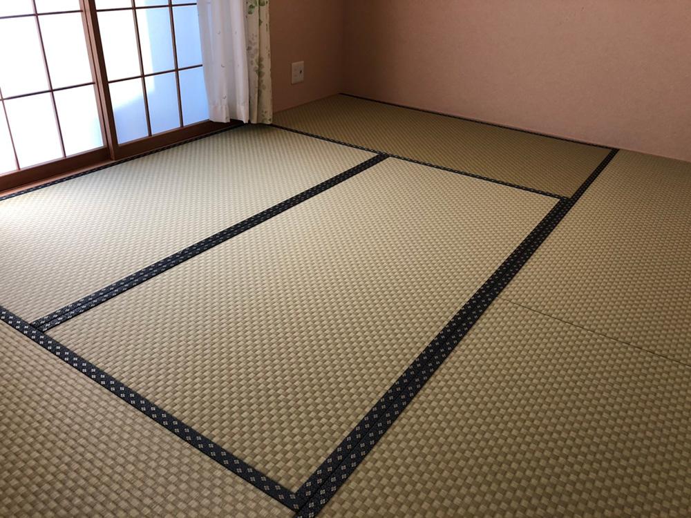 市松模様の和紙畳の張り替えを行いました。