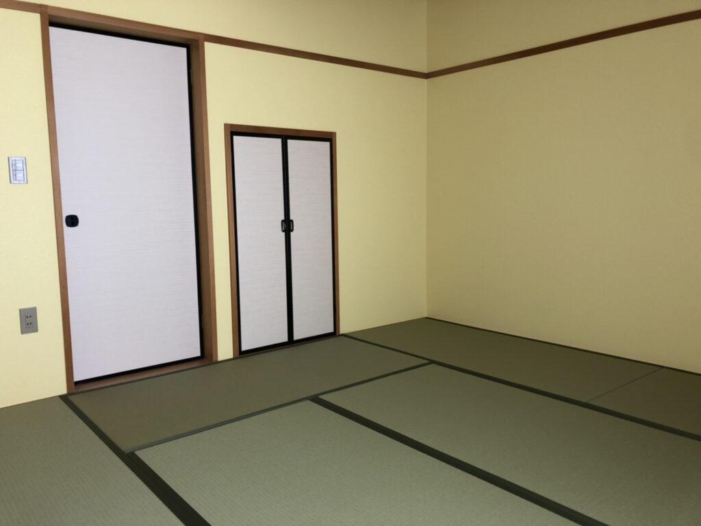 壁紙の張替えと畳の表替え