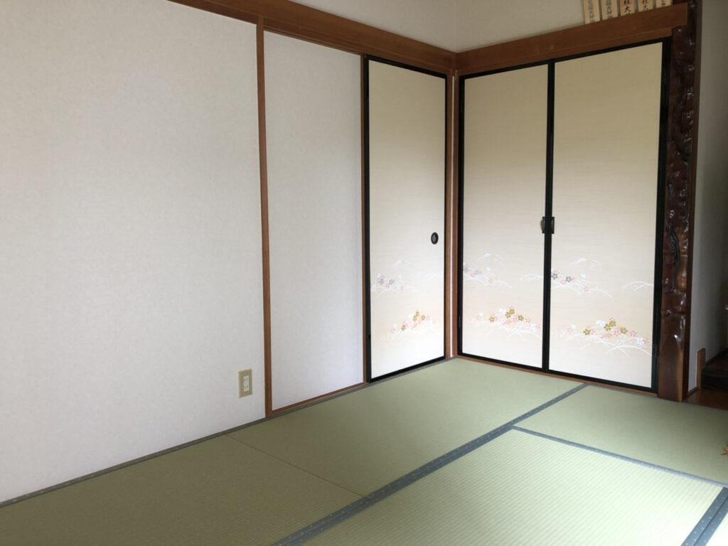 和室のリフォームで、畳の新調と襖、壁紙の張替えをしました